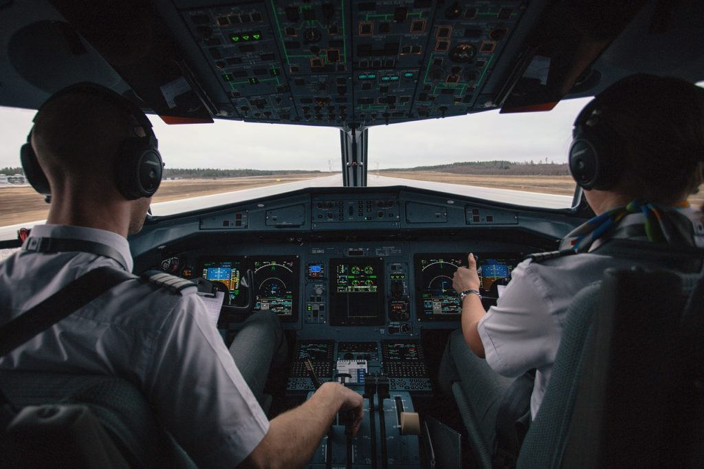 lavorare nel settore aereo pilota